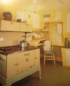 Laura's kitchen at Rocky Ridge Farm. Love this!!!