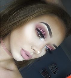 "2,382 Likes, 40 Comments - ⠀⠀⠀Y A S M I N • S M I T H (@yasminfsmith) on Instagram: ""pink glitter ✨"""