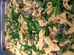 Pasta with mushrooms and leeks