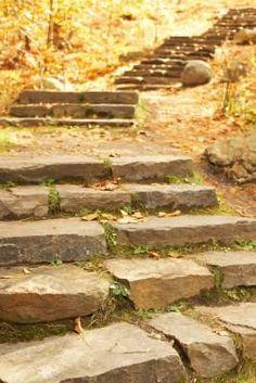 How to Make a Natural Staircase to a Garden