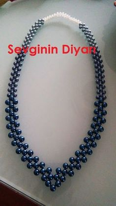 Sevginin Diyarı: Anlatımlı mavi inci kolye The Land of Love: Narrated blue pearl necklace Jewelry Crafts, Handmade Jewelry, Head Jewelry, Woven Bracelets, Beaded Jewelry Patterns, Diy Necklace, Pearl Necklace, Necklaces, Tiffany Jewelry