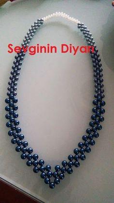 Sevginin Diyarı: Anlatımlı mavi inci kolye The Land of Love: Narrated blue pearl necklace Jewelry Crafts, Handmade Jewelry, Beaded Necklace, Beaded Bracelets, Pearl Necklace, Necklaces, Head Jewelry, Beaded Jewelry Patterns, Diy Necklace Patterns