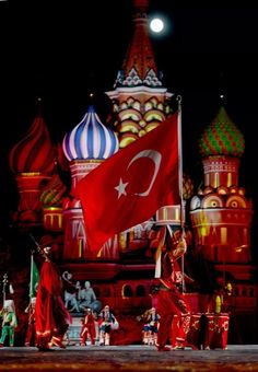 Moskovada türk bayrağı.