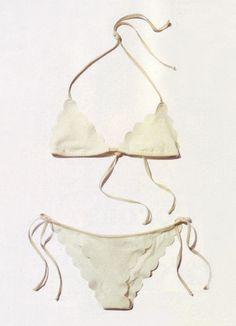 Chloe Scallop Bikini: Bikini