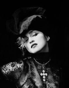 Madonna 1984 photograph by Herb Ritts, Beautiful classic look Madonna Photos, Madonna 80s, Madonna Hair, Madonna Fashion, Madonna Music, Lady Madonna, Olivia Newton John, Cindy Crawford, Elizabeth Taylor