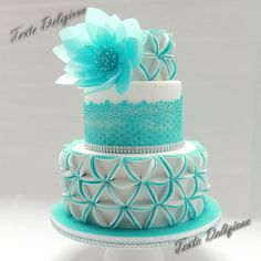 Precious in Blue - I made this cake at a Class given by Peggy from precious taarten