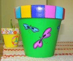 Flower Pot Art, Flower Pot Design, Flower Pot Crafts, Clay Pot Projects, Clay Pot Crafts, Painted Plant Pots, Painted Flower Pots, Clay Pot People, Pottery Pots