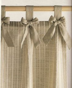 Risultati immagini per cortinas para cocina Home Curtains, Curtains With Blinds, Kitchen Curtains, Valances, Curtain Styles, Curtain Designs, Cortinas Country, Rideaux Design, Shabby Chic Kitchen