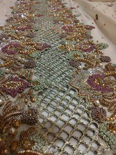 Zardozi Embroidery, Embroidery Suits, Hand Embroidery Designs, Beaded Embroidery, Embroidery Patterns, Anarkali, Lehenga, Saree, Balochi Dress