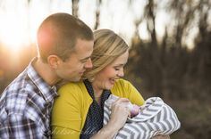 Fall family session by Tulsa photographer Chelsea Ahlgrim