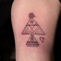 Scott Campbell robił ochotnikom tatuaże. Jednak to artysta decydował co wytatuować – Demotywatory.pl