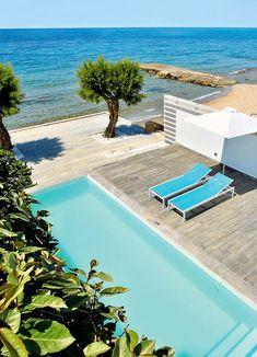 Das #Grecotel White Palace auf #Rhodos ist ein #Luxushotel, wie es im Buche steht. Wie wäre es, wenn ihr morgens von der Sonne wachgekitzelt werdet, eure Terrassentür öffnet und in den #Pool springt? Grecotel LUX.ME White Palace***** #Griechenland #Kreta #Rethymnon #TUI #PrivatePool #DiscoverYourSmile Private Pool, Flow, Places, Outdoor Decor, Beautiful Hotels, Rhodes, Sun, Vacation, Lugares