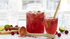 Bringebærlemonade Frisk, Moscow Mule Mugs, Lemonade, Vodka, Smoothies, Pudding, Herbs, Vegetables, Tableware
