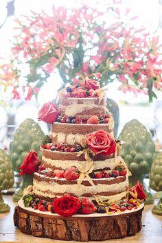 Karla e Peter oficializaram a união com um casamento em Santa Teresa. A festa foi registrada pela LoveShake e teve Brigadeiros Fabiana D'Angelo.Ã'Â