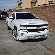 Chevy Trucks Lowered, Custom Chevy Trucks, Chevy Pickup Trucks, Gm Trucks, Chevy Pickups, Chevrolet Trucks, Diesel Trucks, Cool Trucks, Dream Cars