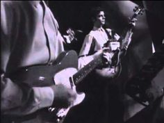 ▶ THE YARDBIRDS (with Eric Clapton) - I'm a man (1964) - YouTube