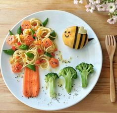 Kids Decoration – Unusual Meals at Various … - Gourmet-Rezepte Cute Food, Good Food, Yummy Food, Food Art For Kids, Healthy Snacks, Healthy Recipes, Food Carving, Food Decoration, Food Crafts