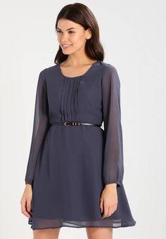 c1743e1d38 Vero Moda. VMADELE SHORT - Sukienka letnia - ombre blue. długość krótka.