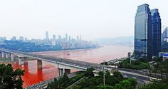 River Yangtze turns red