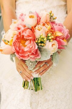 Pink bouquet: http://www.stylemepretty.com/louisiana-weddings/2014/10/20/fun-and-colorful-louisiana-outdoor-wedding/ | Photography: Arte de Vie - http://artedevie.com/