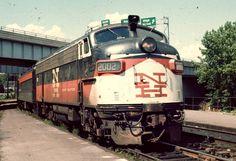 EMD FL9 Metro North Railroad, Railroad Bridge, Railroad Pictures, Train Tracks, Heavy Equipment, Metal Signs, Locomotive, New England, Diesel