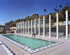 Located in Santa Monica, the Annenberg Community Beach House offers a free rec room, beach areas, soccer field, volleyball courts, and tennis courts. There is a fee for parking and for admission into the pool.