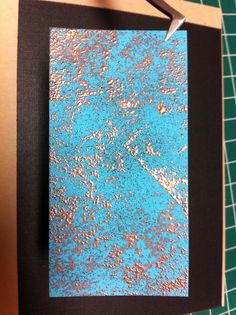 This was a fun technique: Stamped Tempting Turquoise SU paper with Versamark ink, dusted with copper embossing powder & heated. Then spritzed with black ink for contrast. Druckfarben Im Distress-look, Diy Bookmarks, Embossing Powder, Distress Oxide Ink, Card Making Techniques, Scrapbook Embellishments, Ink Painting, Tag Art, Tim Holtz