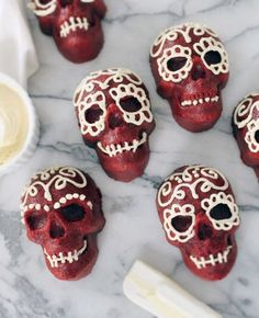 These spooky skeletons are made of rich red velvet cake. Frost them in white to create intricate patterns that will really make them stand out.