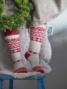 Ravelry: Julsockan pattern by Maja Karlsson Knitting Patterns Free, Knit Patterns, Free Knitting, Baby Knitting, Fair Isle Knitting, Knitting Socks, How To Start Knitting, Crochet Yarn, Bunt