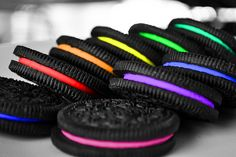 Cool tech possibilities - Vending Machine That Custom-Makes Oreo Cookies at this years' SXSW! I love Oreos! Rainbow Food, Taste The Rainbow, Over The Rainbow, Rainbow Things, Rainbow Stuff, Neon Rainbow, Rainbow Cookie, Rainbow Ice Cream, Rainbow Quote