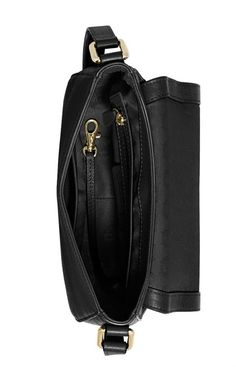 dc935396b0e3d 216 Best Michael Kors Handbags images in 2019   Michael kors jet set ...