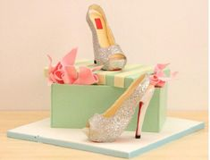 stiletto shoe and shoebox cake from a Kaysie Lackey's shoe class at Fair Cake UK.jpg