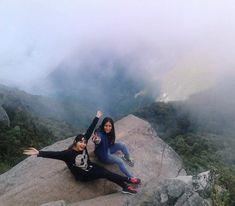 A 2478 msnm con una de mis compañías favoritas  - Pico Occidental, El Ávila, Venezuela  - @joropoextremo
