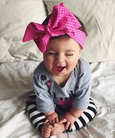 Oh my gosh! My baby girl needs one of these! My Baby Girl, Baby Kind, Baby Girl Head Bands, Little Babies, Little Ones, Cute Babies, Outfits Niños, Kids Outfits, Beautiful Children