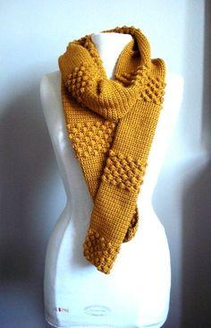 Leuk voorbeeld van Etsy. smalle sjaal haken met de popcorn steek.