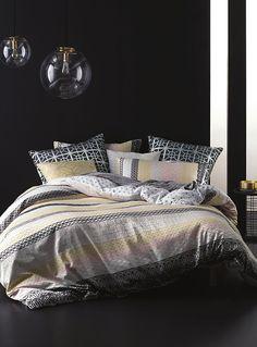 Pastel geometric duvet cover set | Simons #maisonsimons #LinenHouse #bedding #love #valentine