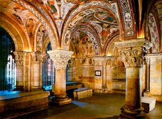 Romanesque architecture - The painted crypt of San Isidoro in León, Spain has a detailed scheme illustrating Biblical stories. Romanesque Art, Romanesque Architecture, Byzantine Art, Balearic Islands, 11th Century, Spain And Portugal, Spain Travel, Romans, Barcelona Cathedral