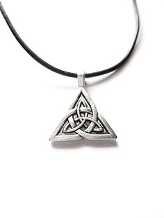 Silver Triquetra Celtic Knot Necklace Choker/Irish celtic jewelry/Scottish jewelry/Pagan/Outlander/Charmed/St.Patrick'sDay by Rebeltude on Etsy