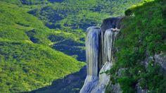 Hierve el agua una cascada mágica petrificada de oaxaca mexico