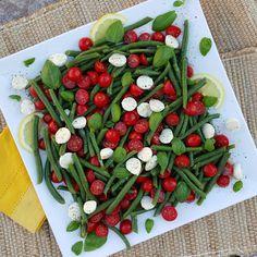 Summertime Caprese Green Bean Salad  http://cleanfoodcrush.com/caprese-green-beans/