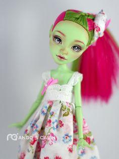 "Monster High Repaint Custom OOAK  ""Vivian"" by Mango's Cabin 4-Adult Mattel  #Mattel"