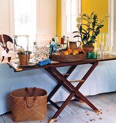 revAMP VIntage ironing board to mimic: ABRIU O BAR!
