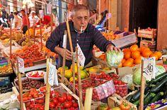 Eating like a true local #Italian - Street #markets in Italy. #travelfood