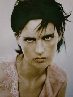 Stella Tennant photographed by Paolo Roversi - Alberta Ferretti Ad Campaign Paolo Roversi, Stella Tennant, Muse, Portrait Photography, Fashion Photography, Androgynous Models, Androgyny, Portraits, High End Fashion