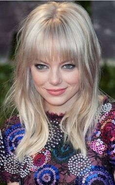 stone celebrity style Emma Stone with straight bangs. I've always wanted to have these type of bangs.Emma Stone with straight bangs. I've always wanted to have these type of bangs. Hairstyles With Bangs, Fringe Hairstyles, Pretty Hairstyles, Straight Hairstyles, Hairstyle Ideas, Hairstyle Photos, Celebrity Hairstyles, Medium Hair Cuts, Medium Hair Styles