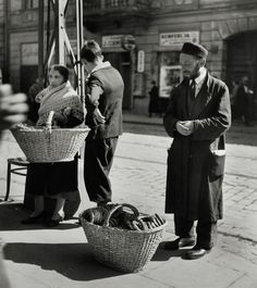 Roman Vishniac (/ˈvɪʃni.æk/; Russian: Рома́н Соломо́нович Вишня́к; August 19, 1897 – January 22, 1990): A Family of Bagel Peddlers, Warsaw, 1938