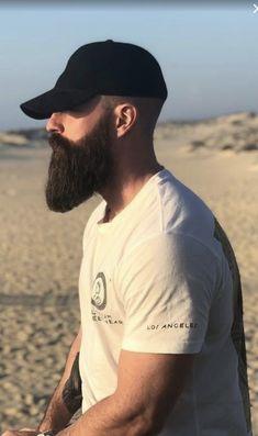Beard beard no sideburns Shaved Head With Beard, Bald With Beard, Beard Game, Epic Beard, Long Beard Styles, Hair And Beard Styles, Mens Hairstyles With Beard, Men's Hairstyles, Beard Cuts