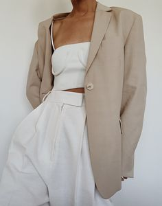 Women fashion Dresses Spring - - Women fashion Videos Trends Simple - Women fashion For Work Professional Attire Classy - - Women fashion Videos Outfits Otoño, Fall Outfits, Casual Outfits, Looks Pinterest, Mode Simple, Casual Street Style, Minimal Fashion, Women's Fashion Dresses, Aesthetic Clothes