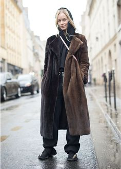 Best Paris Fashion Week Street Style Fall 17 | StyleCaster Update a traditional fur with black sweats, sneakers a hoodie and a cross body bag.