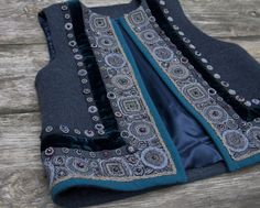 Levadnaja Details is a Russian clothing and decoration brand . Sewing Clothes, Diy Clothes, Clothes For Women, Hijab Fashion, Fashion Outfits, Womens Fashion, Vest Pattern, Pakistani Dresses, Refashion